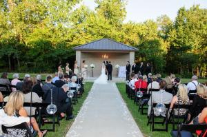 bride-and-wedding-party-outdoor