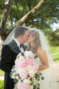 outdoor-wedding-couple-kissing