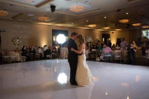 indoor-wedding-couple-dance